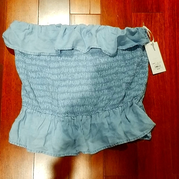 NWT strapless top